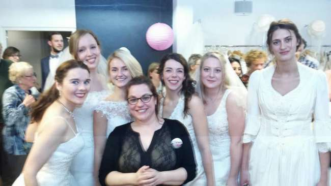 Tante Pollewop (Evelyne midden op foto).